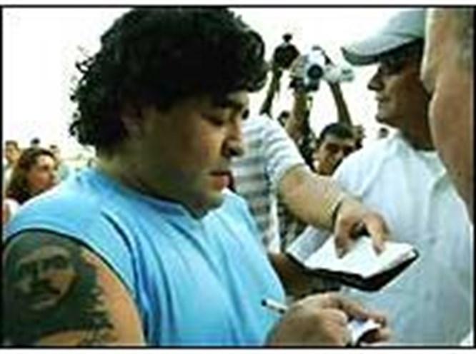 Maradona'nın hayatı belgesel oluyor